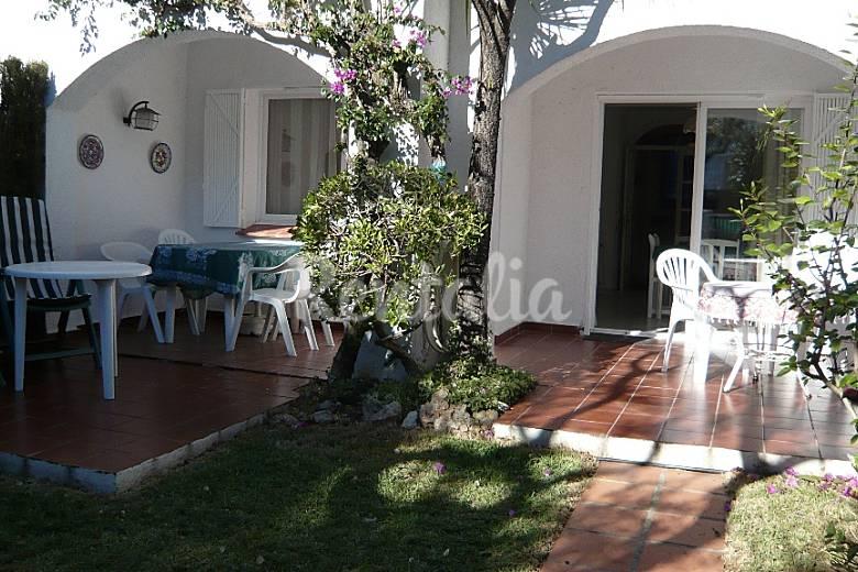 Casa de 3 habitaciones a 800 m de la playa vilafortuny for Apartamentos jardin playa larga tarragona