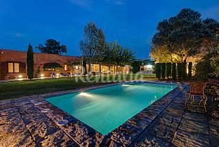 Casa de piedra con gran jardín y piscina Girona/Gerona