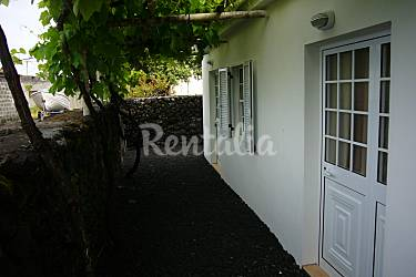 Retreat Outdoors Pico Island Madalena Cottage