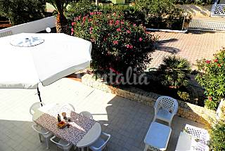 Villa with 4 bedrooms only 100 meters from the beach Lecce