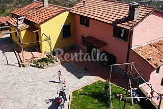4 Apartments with swimming pool La Spezia