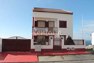 3 Apartments for 7/18 people on the beach front line São Miguel Island