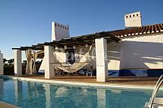 Monte tradicional Alentejano com piscina. Beja