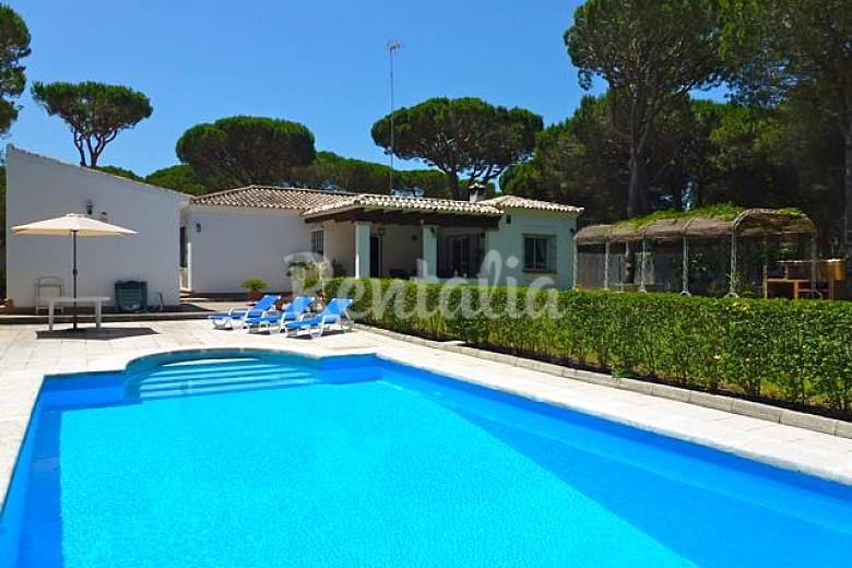 Villa angeles de 3 habitaciones a 4 km de la playa la - Muebles chiclana de la frontera ...