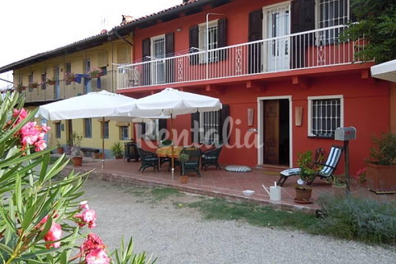 Casa in affitto con giardino privato - Mompellini (Canale ...