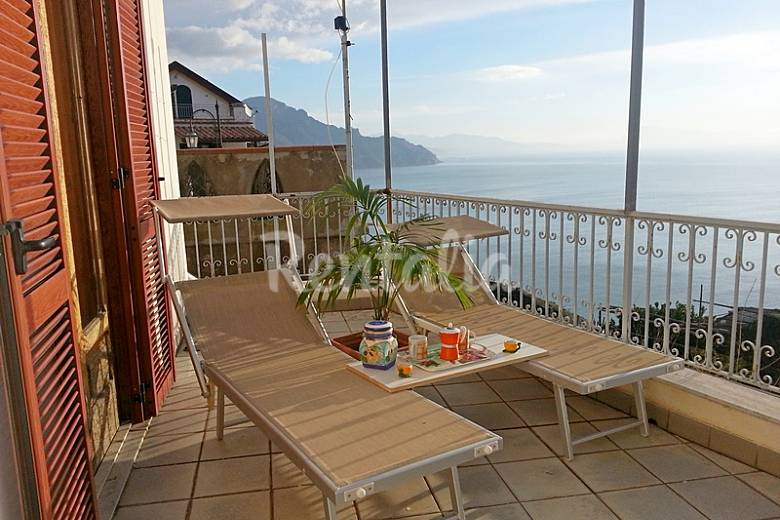 Appartement te huur op 800 meter van het strand conca dei marini salerno amalfikust for Terras strijkijzer