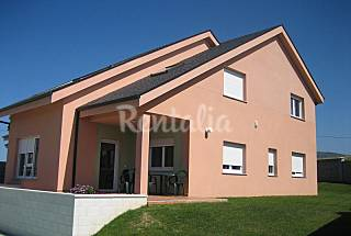 9 Houses for 6 people only 70 meters from the beach Lugo