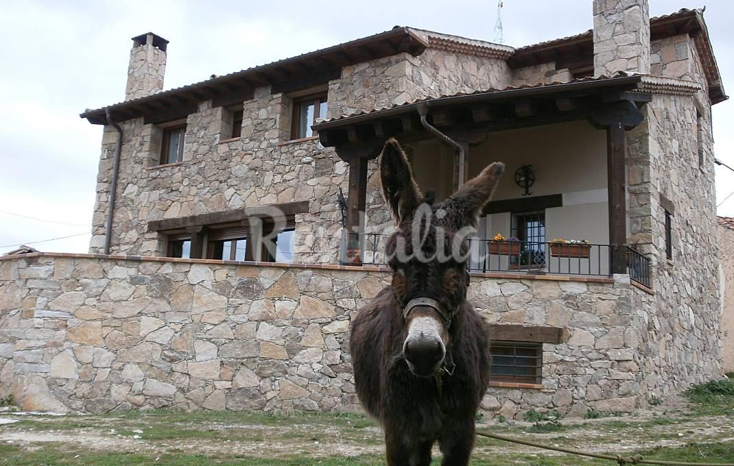 Casa Rural con vistas a  la Sierra de Guadarrama Segovia
