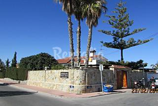 Casa  para 6-8 personas a 1200 m de la playa Alicante
