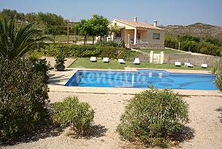 Villa for 6-7 people 6 km from the beach Tarragona
