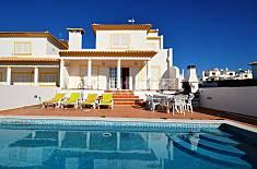 Moradia com Piscina privada e mesa de Snokker Algarve-Faro