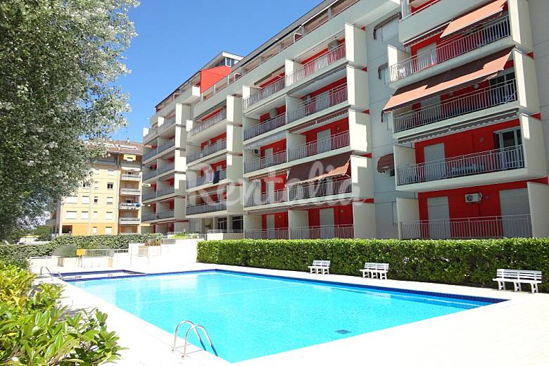 4 appartamenti in affitto a 250 m dalla spiaggia porto for Appartamenti in affitto a porto ottiolu