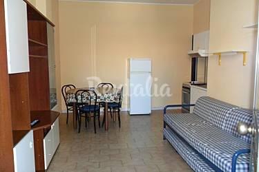 Apartamento de 1 habitaci n a 100 m de la playa marcelli - Ancona cocinas ...