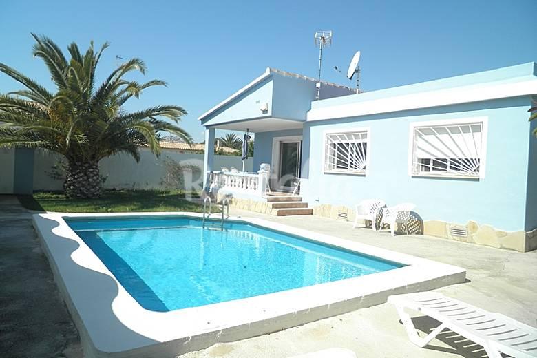 Mooi huis met zwembad aan zee vinar s castell n castell n costa del azahar - Zwembad huis ...