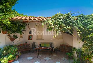 House for 2-6 people only 200 meters from the beach Naples