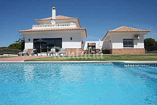 Villa for 9-10 people only 1000 m. from the beach Huelva