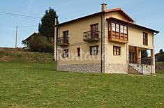 Villa with 5 bedrooms only 600 meters from the beach Asturias