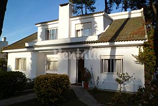 Villa for rent 3.5 km from the beach Setúbal