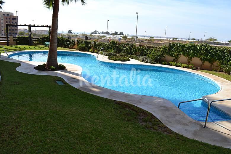 Fant stico tico en residencial con piscina aguadulce for Piscinas almeria