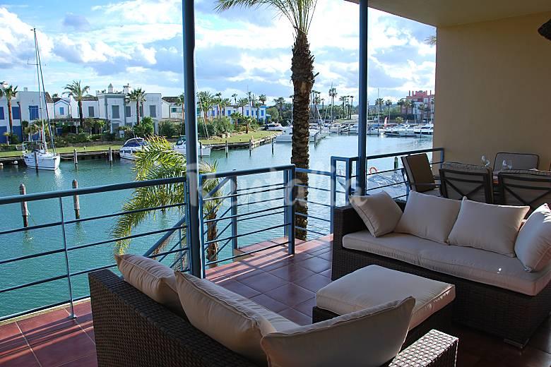 Apartamento con piscina a 400m de la playa y golf sotogrande san roque c diz comarca del - Apartamento sotogrande ...