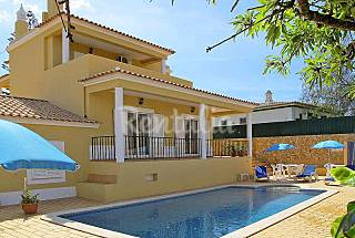 Villa with 4 bedrooms 1.5 km from the beach Algarve-Faro