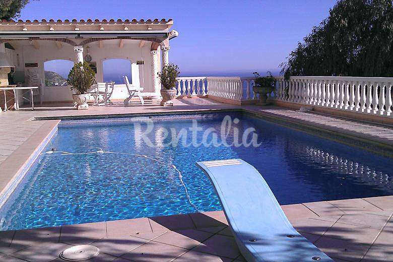 Apartment for 2-7 people only 800 meters from the beach Girona