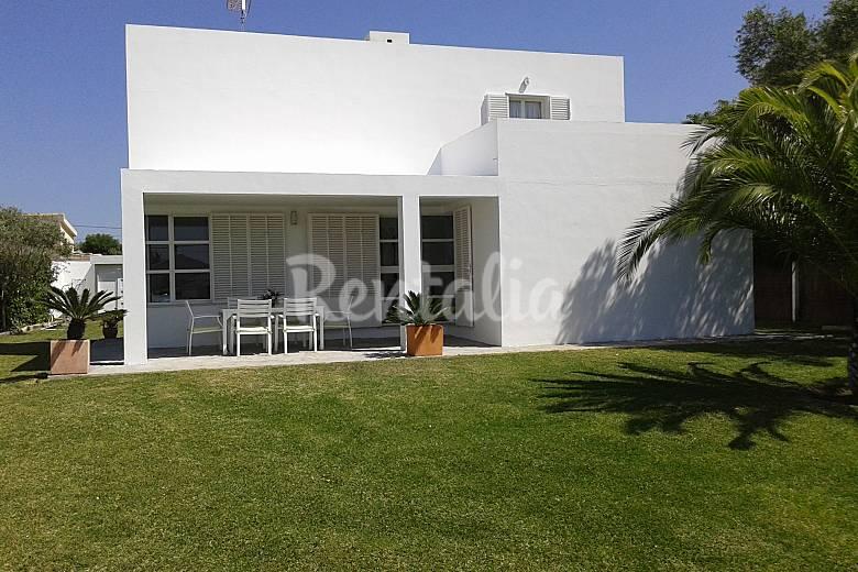 Chalet con piscina y sauna y WiFi a 400mts de la playa Cádiz