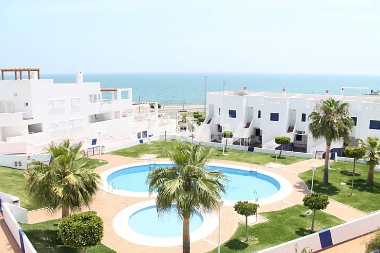 5 apartamentos n 15 2 6 pers a 40 m de la playa for Apartamentos playa mojacar