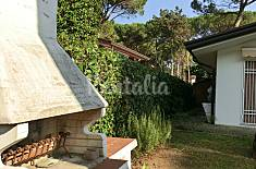 Single villa for rent only 300 m from the beach Udine