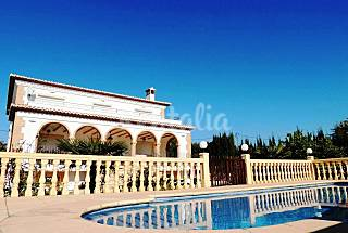 5 dormitorios. Piscina privada. Wifi. A/A  Alicante