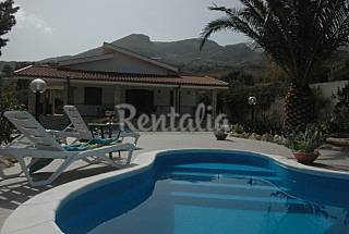 Villa with 5 bedrooms only 150 meters from the beach Trapani