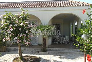 Salento: villa for rent only 300 mt from the beach Lecce