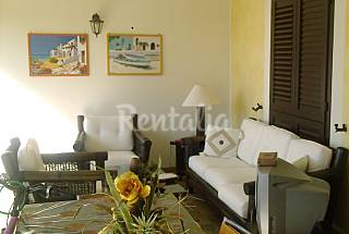 Villa for 5-9 people only 600 meters from the beach Matera