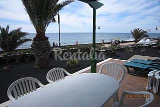Bungalow para 1-2 ó 3-4 pers.en 1a línea de playa Lanzarote