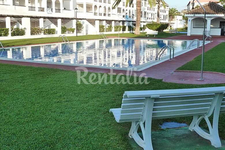 Duplex con piscina y solarium a 80 m de la playa vinar s for Piscinas castellon