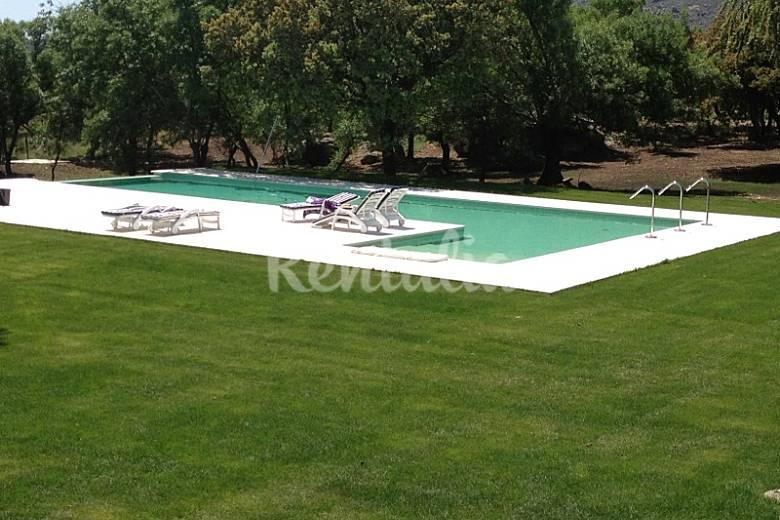 Villa Piscina Madrid Manzanares el Real Villa en entorno rural