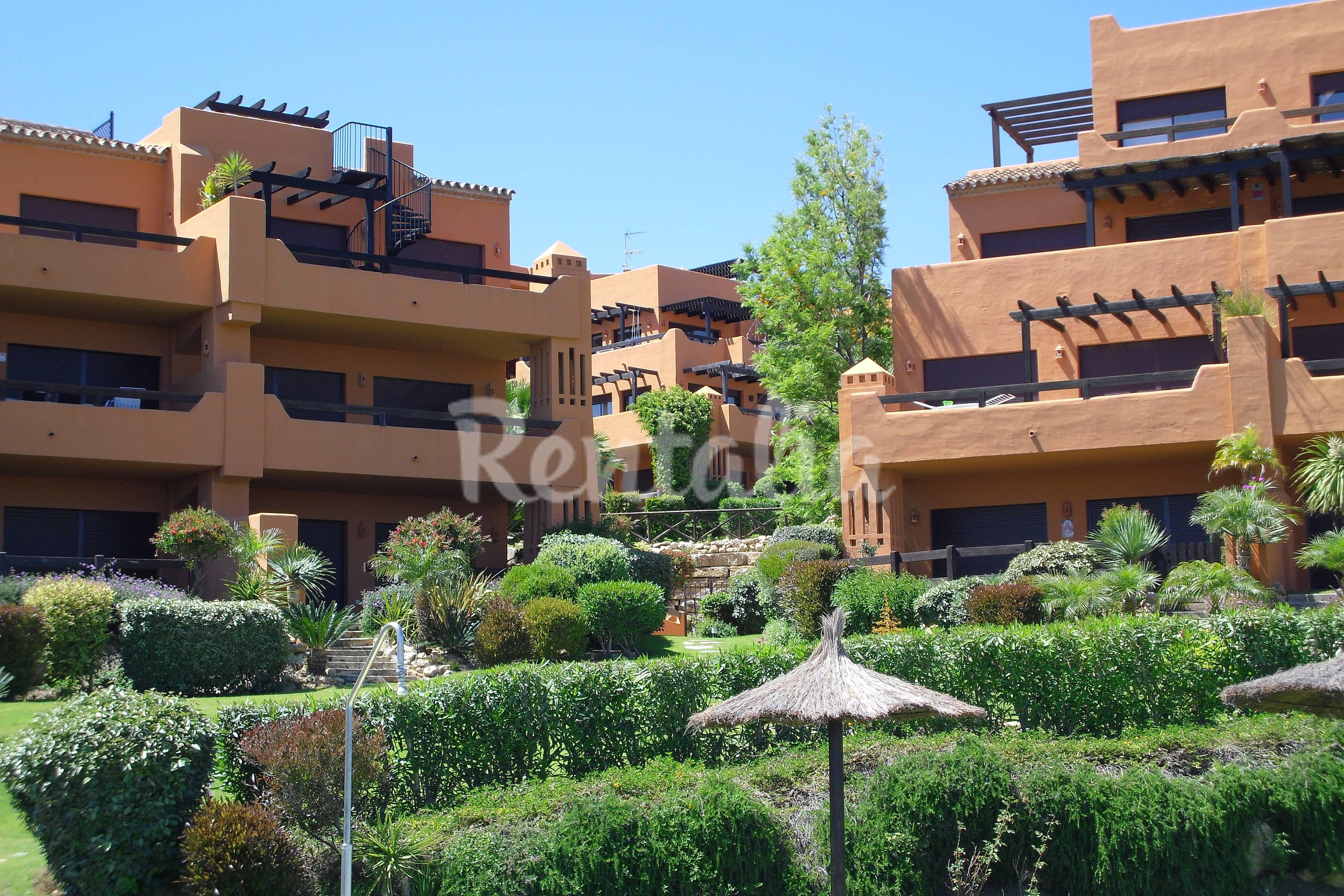 Apartamentos buenas noches estepona alquiler apartamentos y pisos tur sticos - Alquiler apartamentos en estepona ...