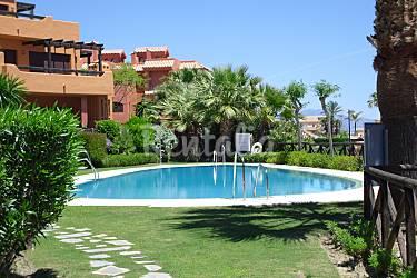 Estepona luxury beach apartment familias buenas noches for Piscina publica malaga