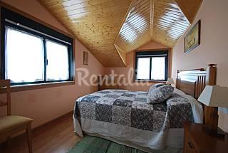 Appartement en location à 75 m de la plage Lugo