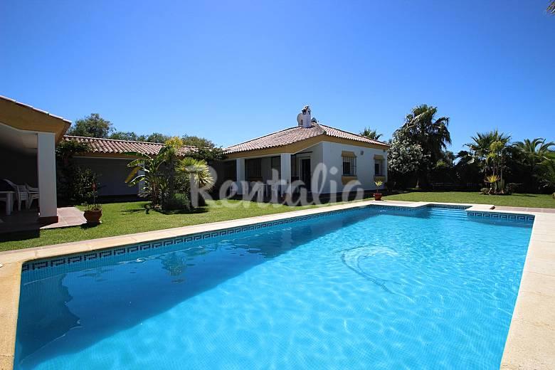 2 casas con piscina privada cerca de la playa conil de