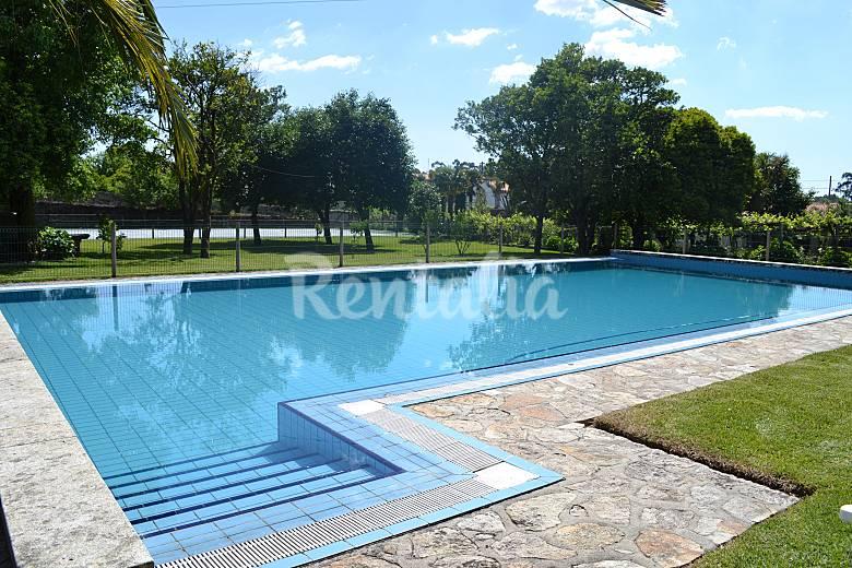 Maison dans une ferme avec piscine et tennis grimancelos for Jardin 400m2 piscine