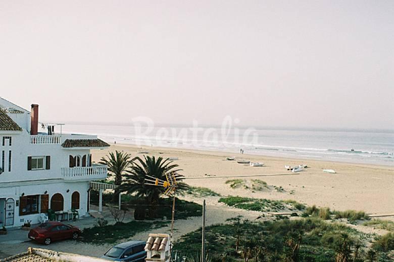 Zahara pueblo 1a l nea de playa con vistas zahara de for Registro bienes muebles cadiz