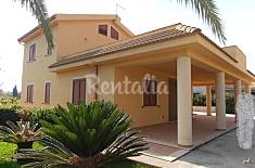 Villa for rent only 200 meters from the beach Ragusa