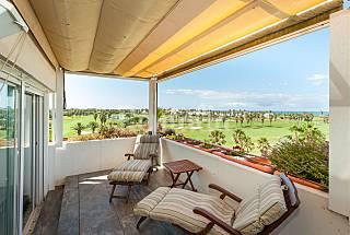 Atico duplex lujo espectaculares vistas mar y golf Cádiz