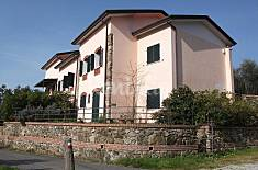 6 Apartments for 4-5 people 3 km from the beach La Spezia