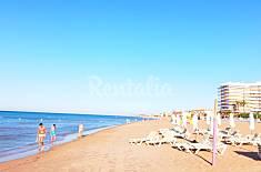 Apartamento con vistas al mar en 1a línea de playa Alicante