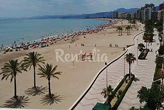 Apartment for 4-6 people on the beach front line Valencia