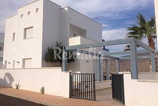 Villa en alquiler a 1000 m de la playa Almería