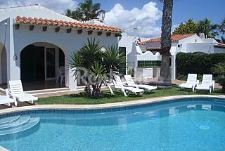 Dos villas con barbacoa y piscina privadas Menorca
