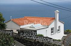 House for rent only 800 meters from the beach Pico Island